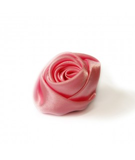 Rose en tissu pour paquets cadeaux réalisée pour la marque Christian Dior